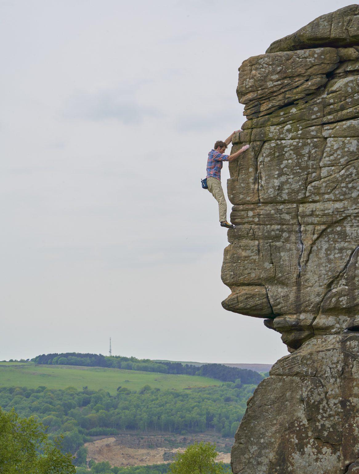 Robbie Phillips free solos at Froggatt, The Peak District
